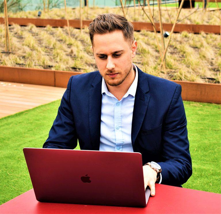 Mr Online Marketing helpt je graag bij het behalen van jouw online doelstellingen